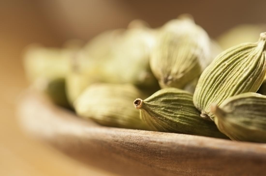 cardamom-fennel-seeds-for-breast-enhancement