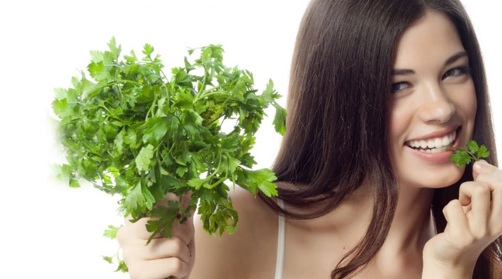 Parsley Benefits For Skin, Hair, and Health